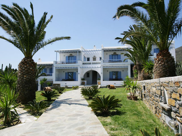 Porto Raphael Residences and Suites -