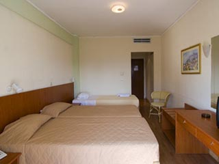 Airotel Malaconda Beach - Triple Room