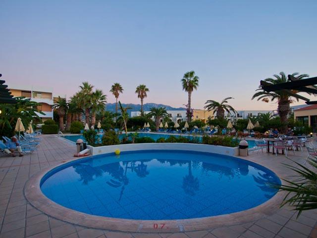 Tigaki Beach Hotel -