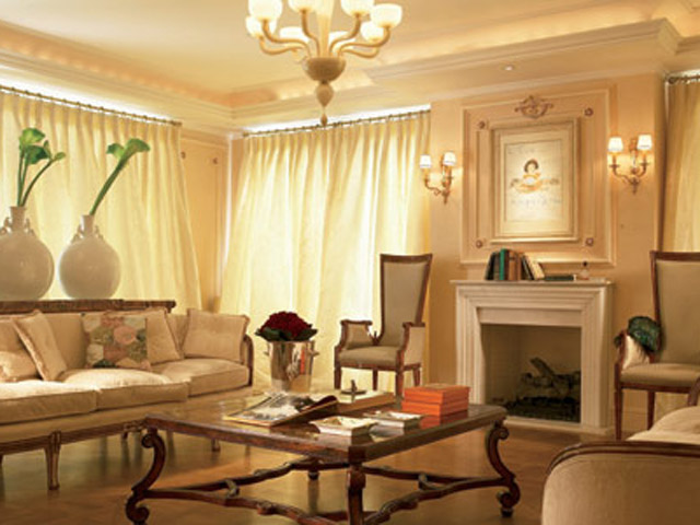 King George Palace - Royal Pethouse Suite Living Room