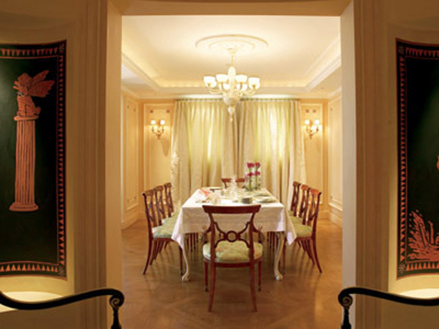 King George Palace - Royal Pethouse Suite Dining Area