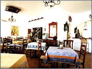 Porto Scoutari Hotel & Suites - Image10