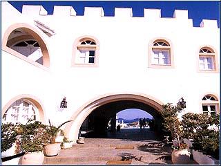 Porto Scoutari Hotel & Suites - Image3