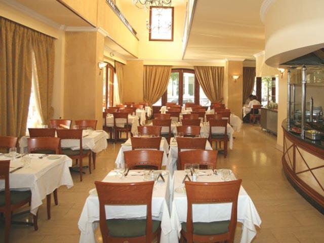 Mitsis Petit Palais Hotel -
