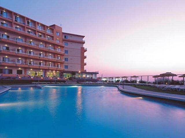 Belvedere Beach Hotel - Pool Area