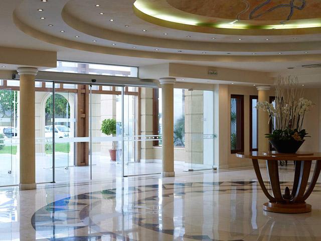 Mitsis Grand Hotel -