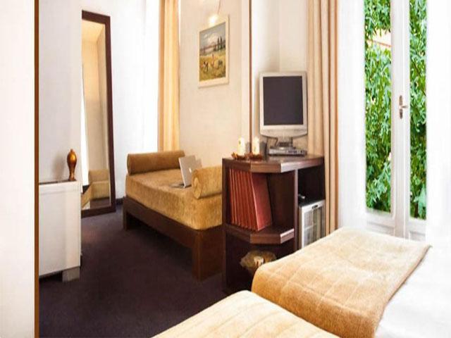 Arni Domotel Hotel -