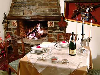 Glorious Peleys Castle Hotel - Restaurant