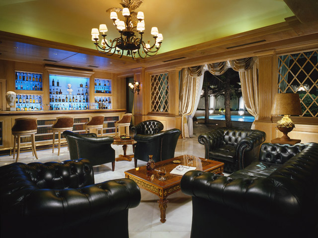 Royal Olympic Hotel - Bar