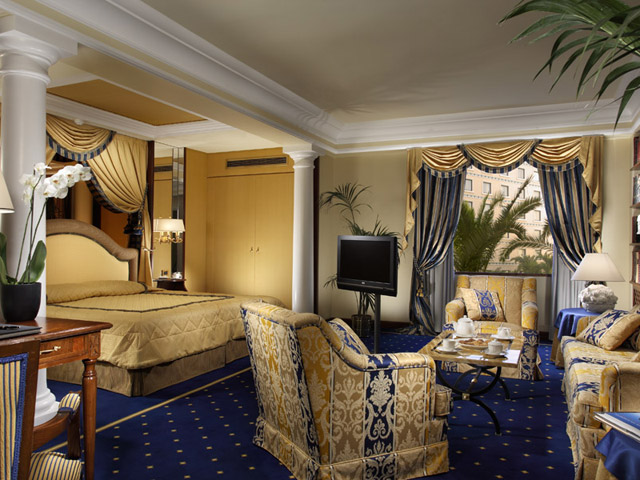 Royal Olympic Hotel - Living Room & Bedroom