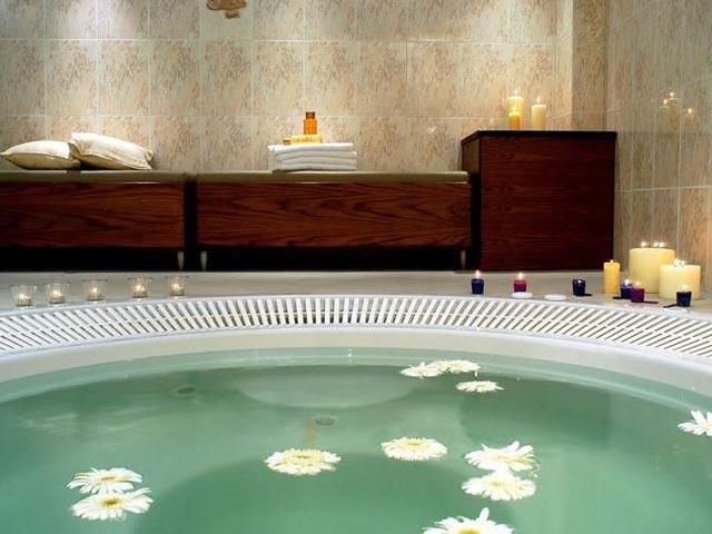 Aristoteles Holiday Resort & Spa -