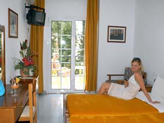 Kronos Hotel - Room
