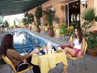 Platon Beach Hotel - Simming Pool