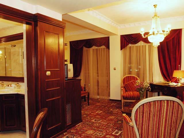 Santa Beach Hotel -