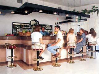 Beis Beach Hotel & Apartments - Bar