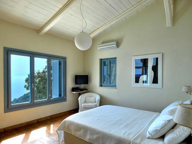 Urania Luxury Villas -