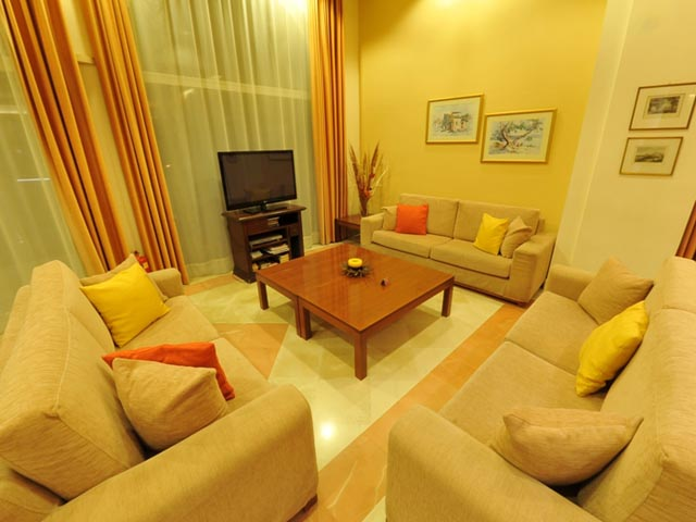 Cnic Hellinis Hotel -
