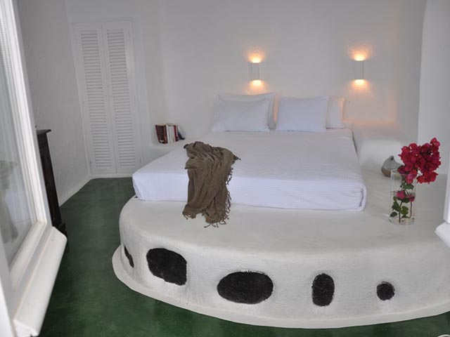 Porto Fira Suites -
