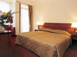 Royal Hotel - Room