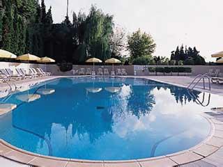 Conrad IstanbulSwimming Pool