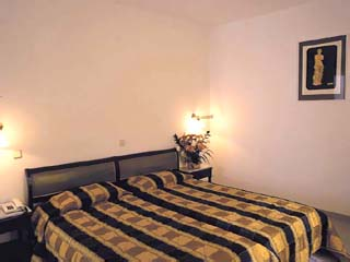 Aeolian Village Beach Club - Family Bungalow Bedroom