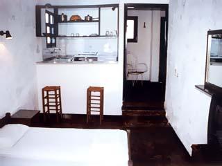 St George  Studios & Apartments - Room