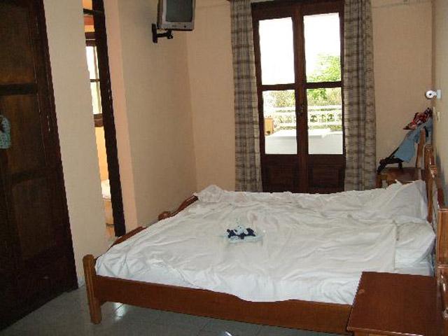 Paradise Hotel - Room