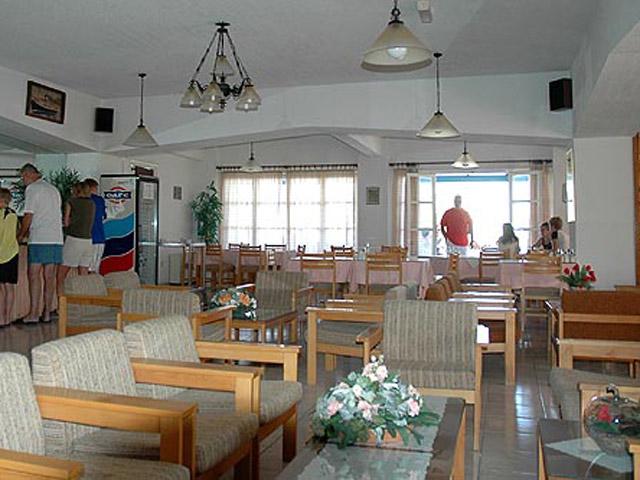 Paradise Hotel - Lobby Area