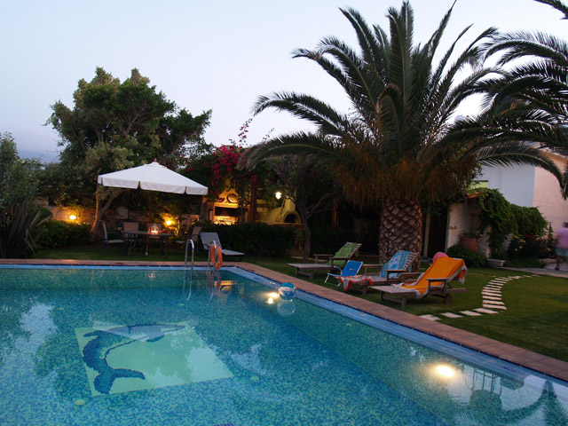 Arhontariki Manor House - Swimming pool area