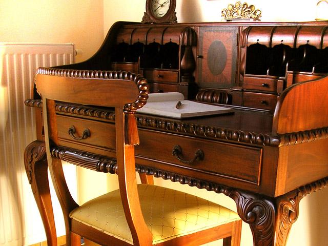 Arhontariki Manor House - Working Desk