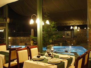 Vergis Epavlis Luxurious Suites - Restaurant