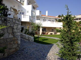 Vergis Epavlis Luxurious Suites - Exterior View