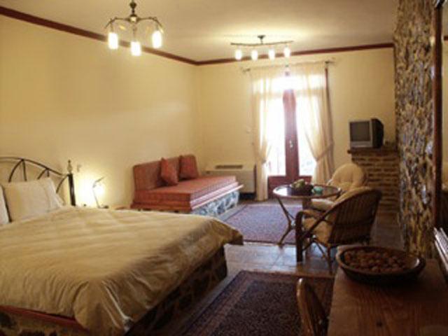 Loggas Hotel - Room