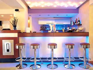 Tropical Hotel - Bar