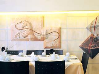 Tropical Hotel - Restaurant