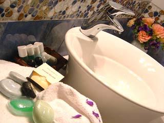 Athina Luxury Villas - Kissos Bathroom