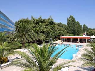 Long Beach Hotel - Swimming Pool