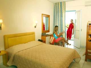 Long Beach Hotel - Bedroom