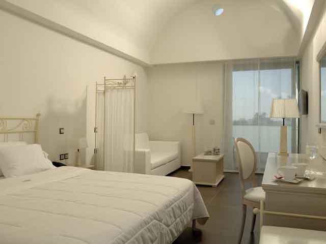 Angela Suites Boutique Hotel -