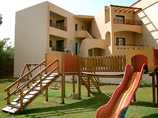 Silver Beach Hotel Apartments - Image4