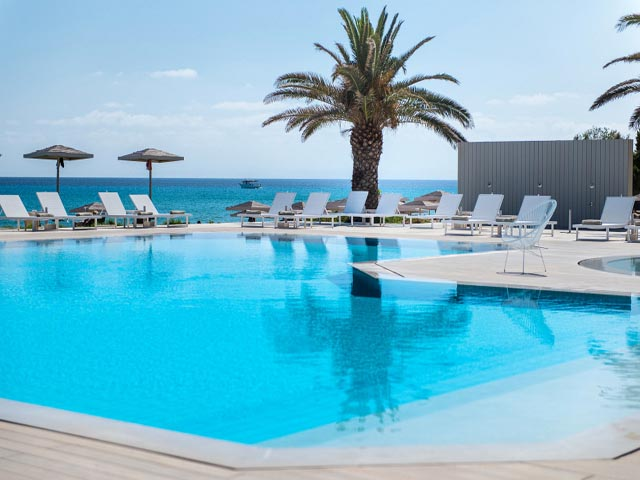 The Bay Hotel & Suites -