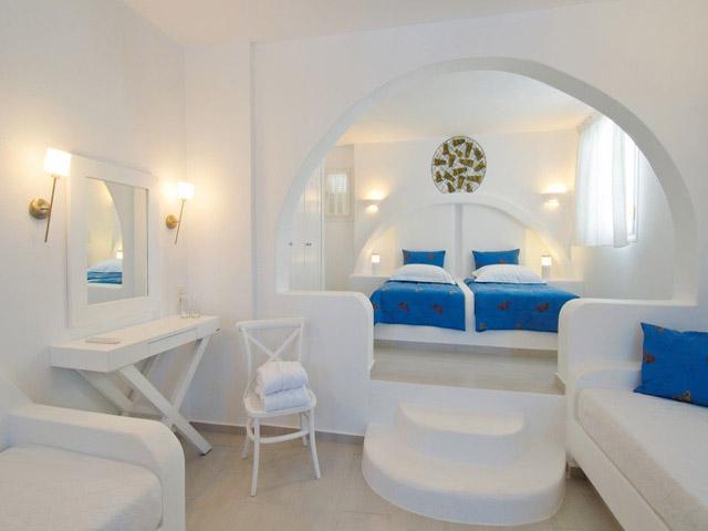 Aspalathras White Hotel -