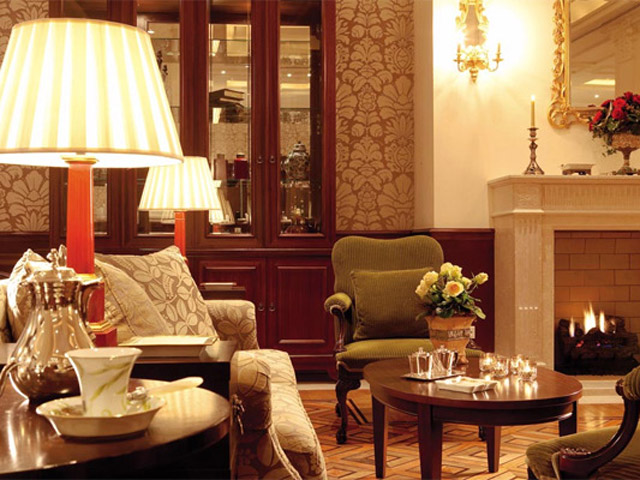 Larissa Imperial - Classical Hotels - Lobby