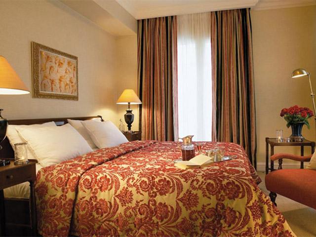 Larissa Imperial - Classical Hotels - Suite Bedroom