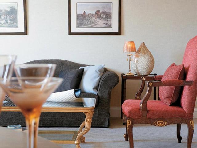 Larissa Imperial - Classical Hotels - Presidential Suite Living Room