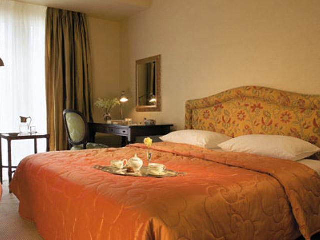 Larissa Imperial - Classical Hotels - Guestroom Bedroom