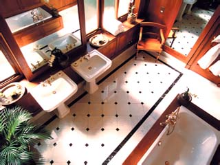 The StrandSuite Bathroom