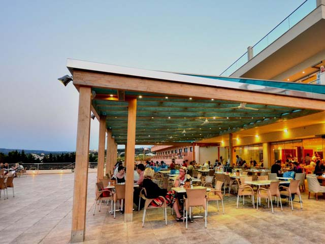 Kiani Beach Resort -
