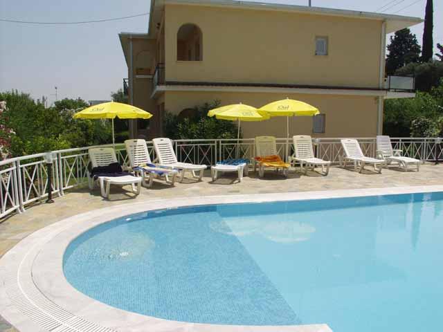 Dimitra Apartments -