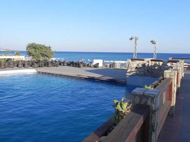 Costa Lindia Beach -